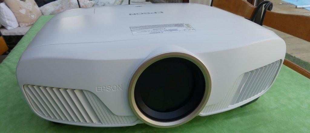 Test EPSON EH-TW7400